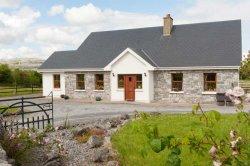 Burren Cottage-Eiri na Greine